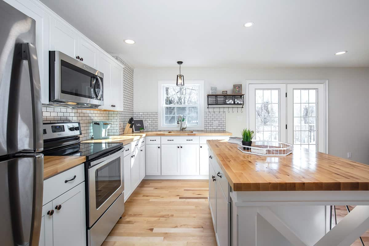 18006---Kitchen-Hallway-POV--1200px